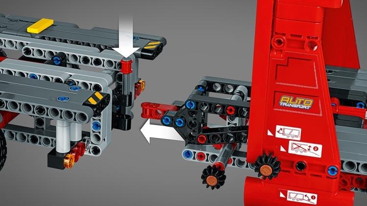 lego-technic-42098-details-0005.jpg